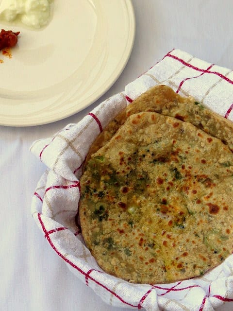 Oats & Spring Onion Paratha