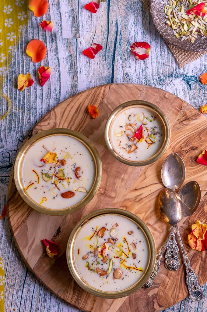 Kadalai Mavu Payasam | Besan Kheer- Payasam made of rich, creamy milk and roasted chickpea ( besan ) flour. A unique and tasty kheer for any festive occasions. So in this Diwali, impress your guests with this unique Besan  kheer.