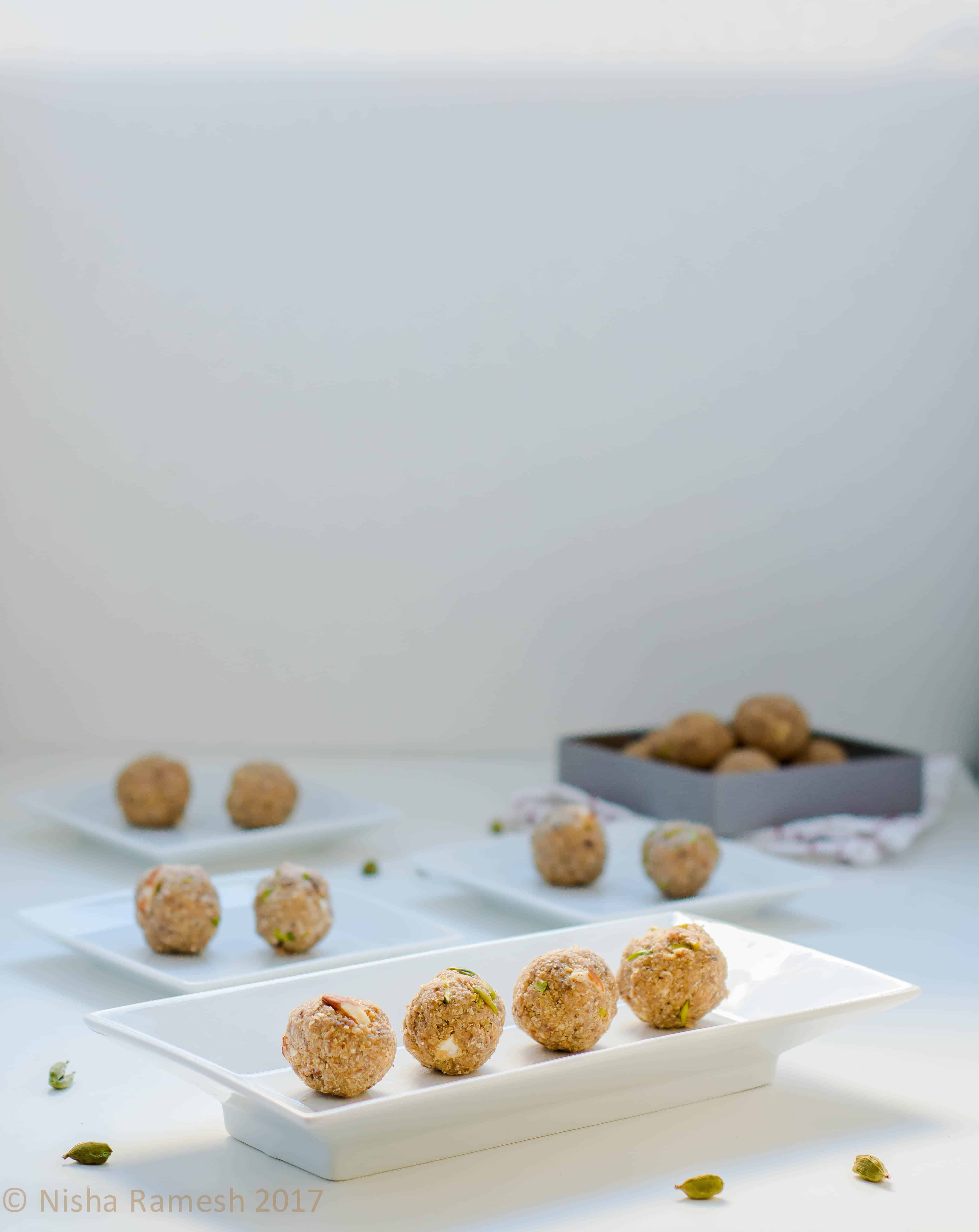 Oats Dates Ladoo – Naturaly sweetened