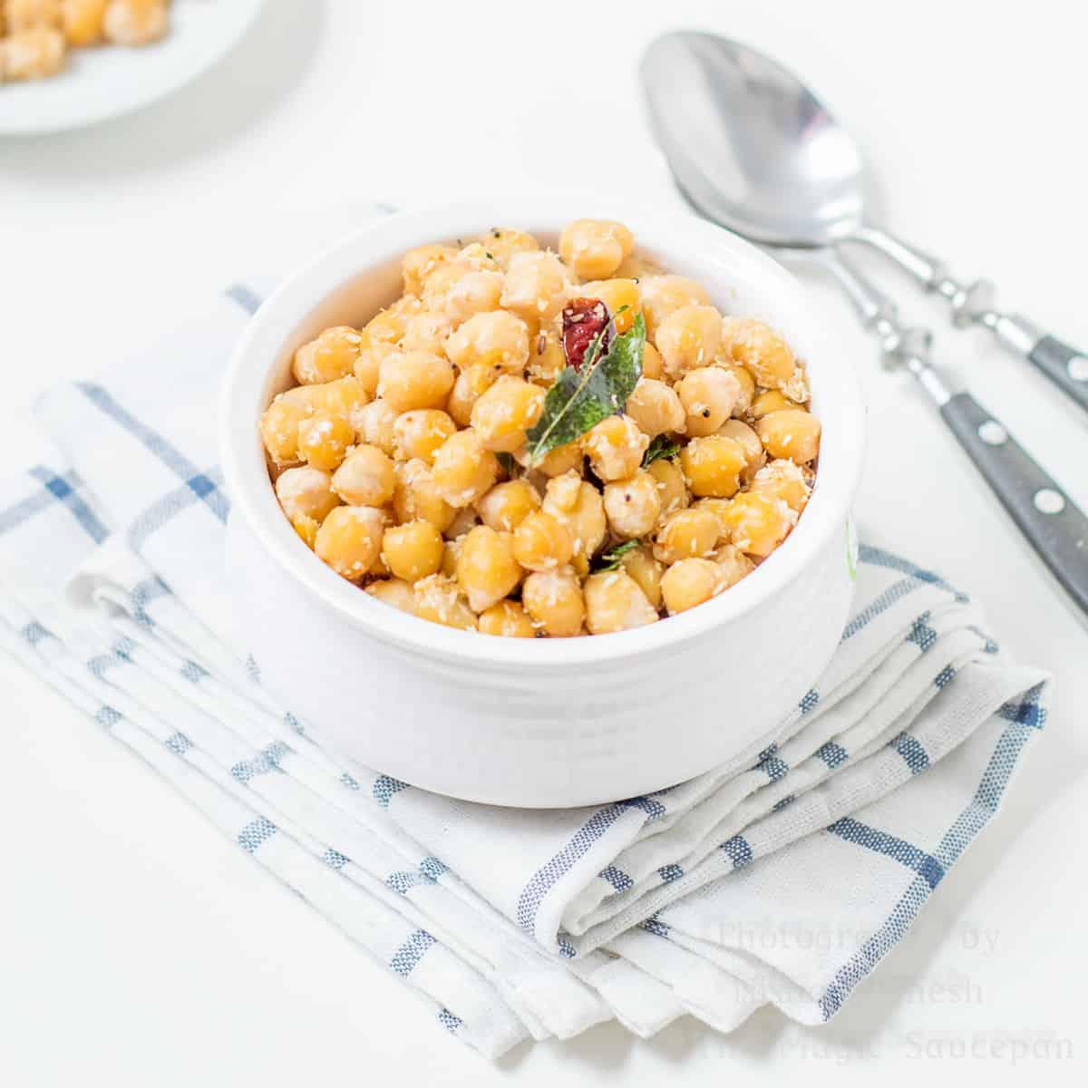 Kondakadalai | Chickpeas Sundal – Healthy Snack option